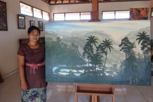 アトリエ2Fがギャラリー。ファミリーの画家たちの作品が展示されています。