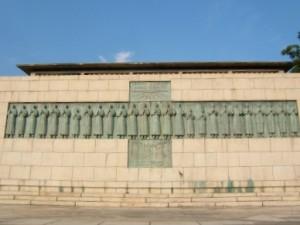 26殉教者記念像