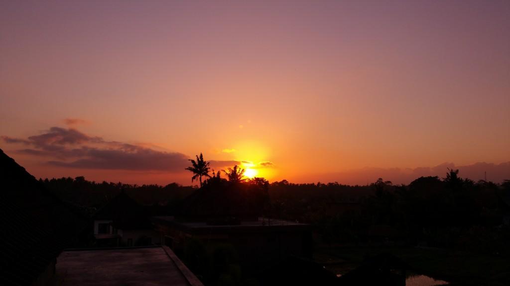 ブログ219_ウブドの夕日